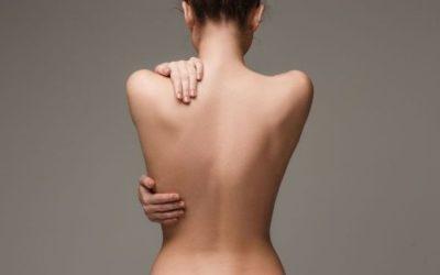Cyphose dorsale : causes, manifestations et solutions